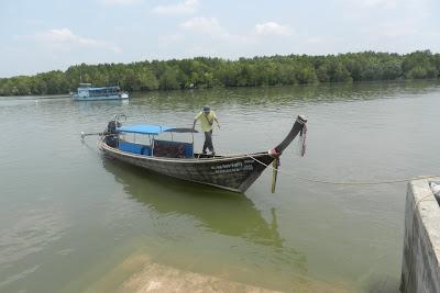 Łódź na rzece Krabi