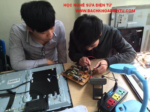 học nghề sửa chữa điện tử