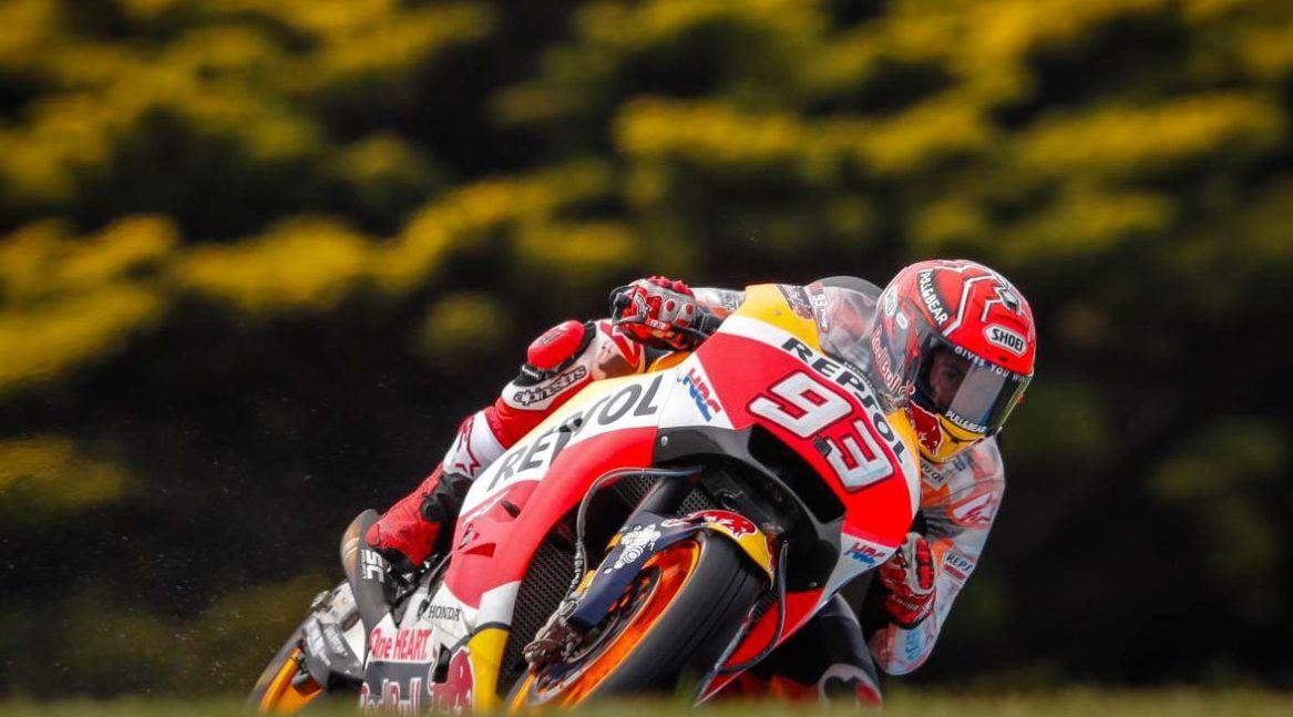 Gara MotoGP pazzesca in Australia: vince Marquez davanti a Rossi e Viñales