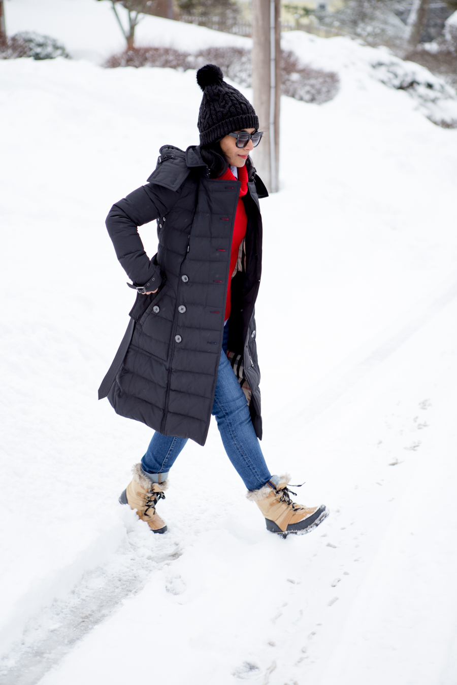 puffer, snow boots, payless, affordable style, budget style, winter coat, curvy jeans, petite style, petite fashion, jcrew, personal style, burberr
