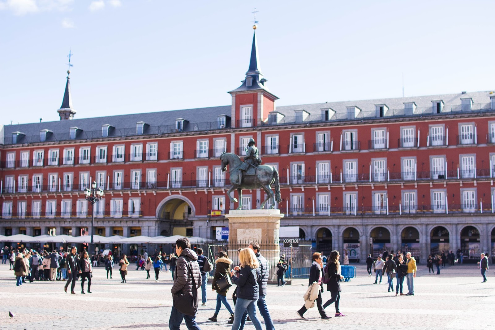where-to-see-madrid-dc-travel-blogger-spain-plaza-mayor