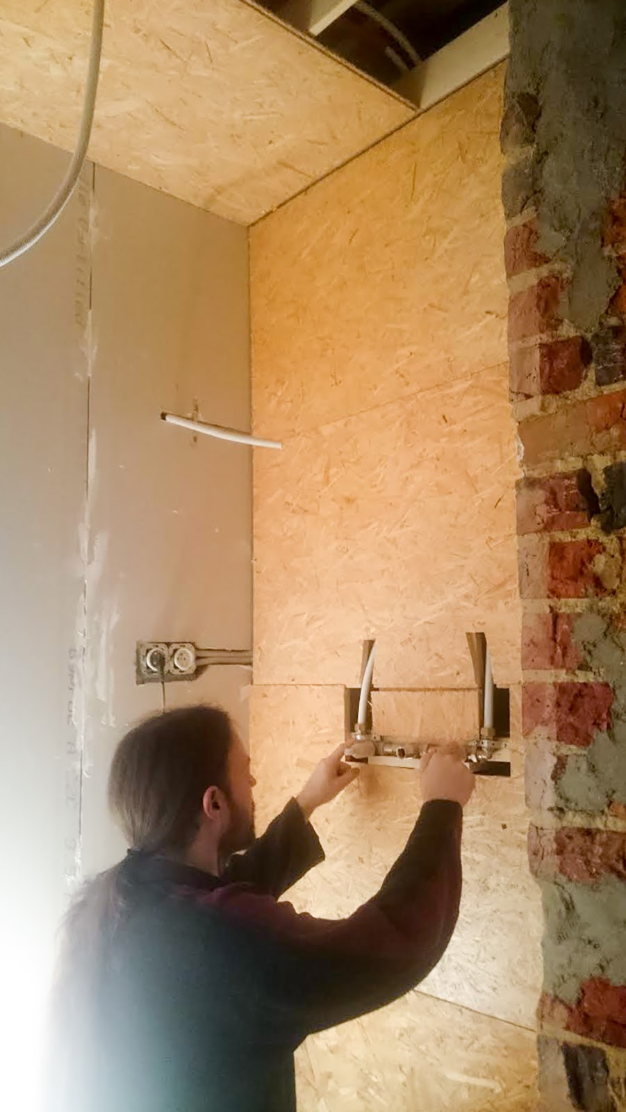 Installing fittings for taps