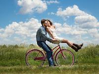 Cara Membuat Pasangan atau Pacar Kita Bahagia dan Selalu Nyaman Jika Dekat Dengan Kita