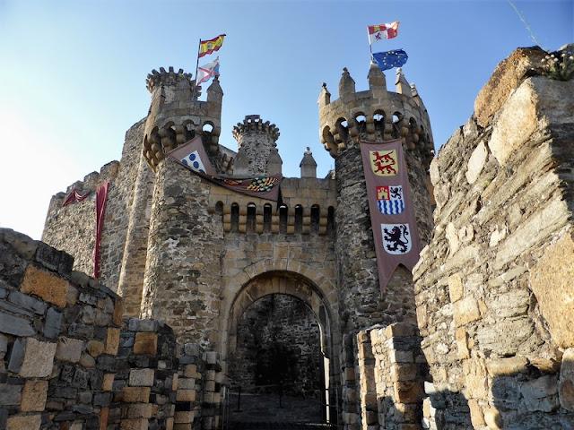 Castillo Templario de Ponferrada, entrada