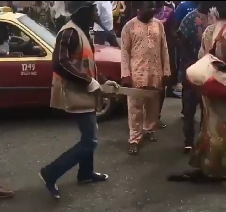 Suspected ritualist pretending to be a Mad man caught in University of Ibadan