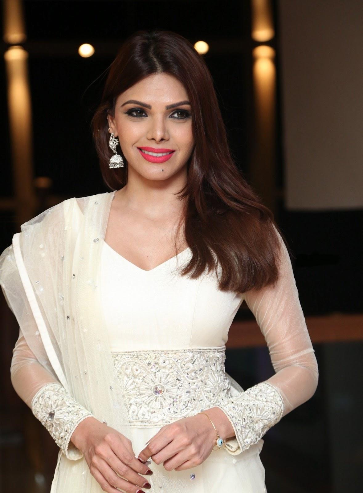 Sherlyn Chopra Looks Super Hot In White Dress At Dj Inayah -8276