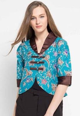 Model Baju Batik Kombinasi Bolero tampil mewah