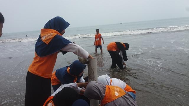 pantai batu saung cinangka