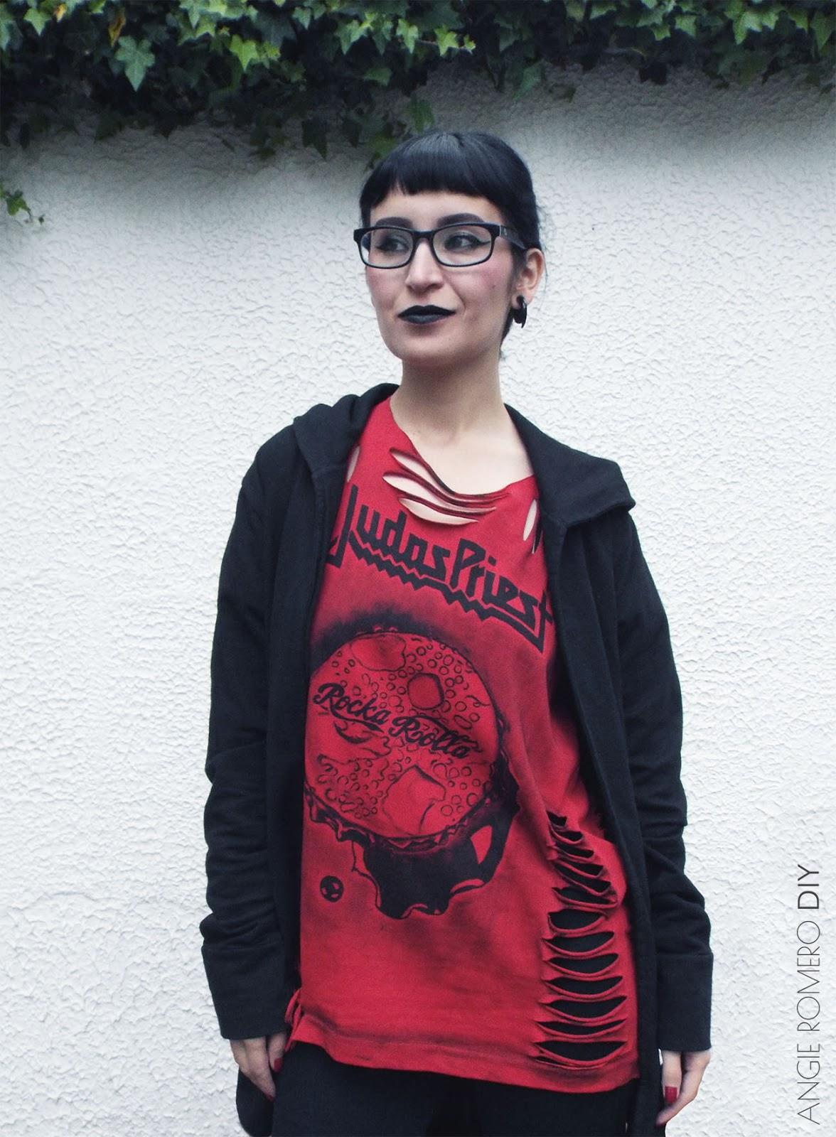 Diseña tus camisetas metaleras destruidas con estampados de grupos pintados