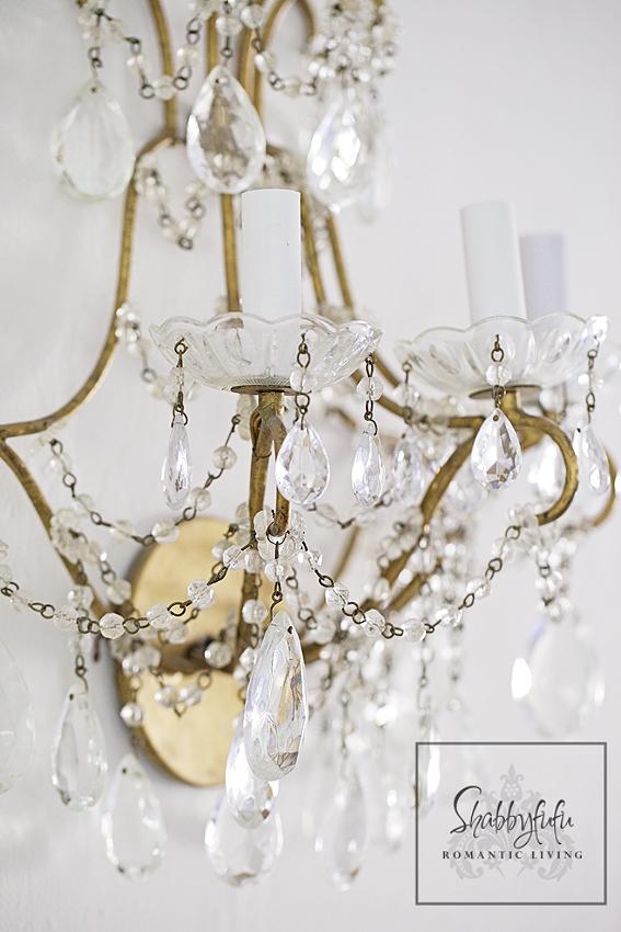 romantic room designs - vintage crystal chandelier