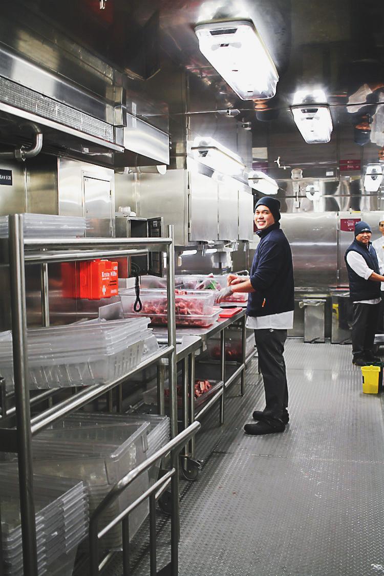 Vorbereitungen an Bord der Mein Schiff 5 von Tui Cruises | Arthurs Tochter kocht. Der Blog für Food, Wine, Travel & Love von Astrid Paul