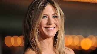 Segundo informações do site 'Radar Online', a estrela de Hollywood pretende lançar em breve uma autobiografia.