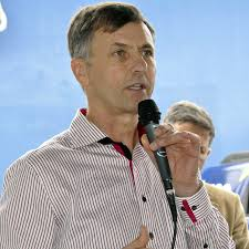 Luizão ex-Prefeito de Pinhais lançará deputado em Colombo