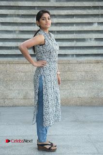 Telugu Television Actress Karuna Latest Pos In Denium Jeans  0107.JPG