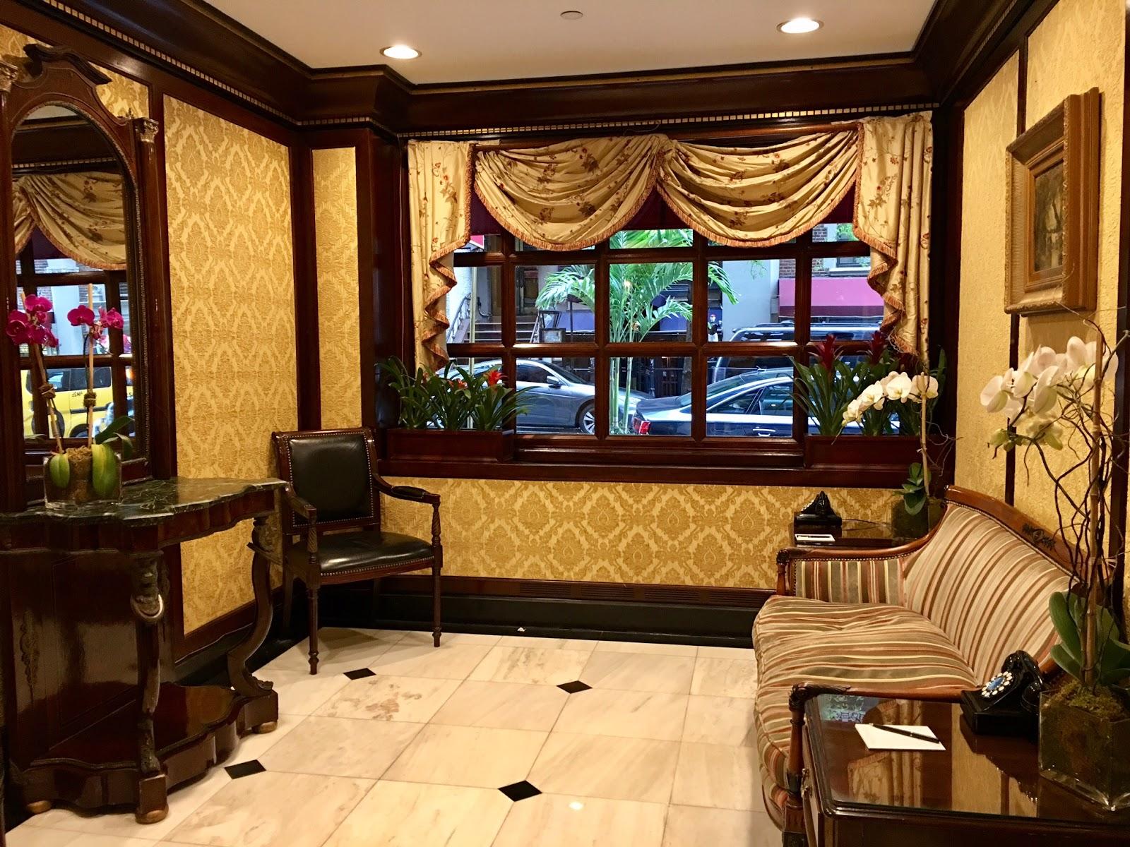 Hotel Elysee Lobby