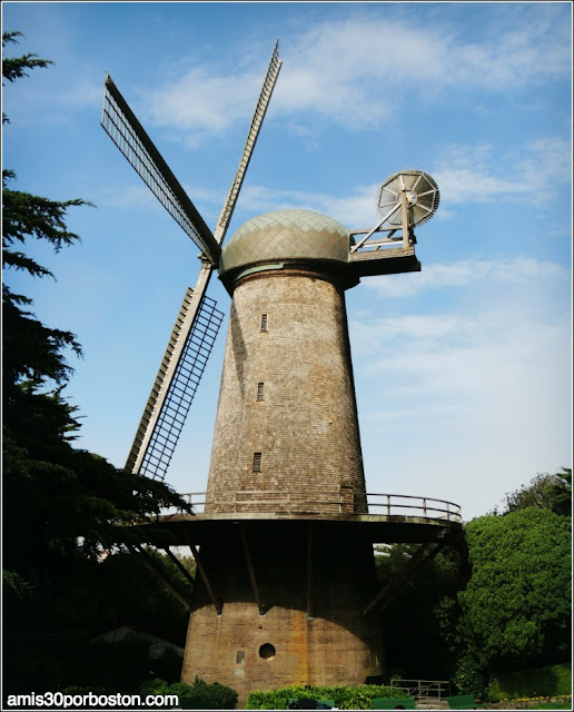 Golden Gate Park: Dutch Windmill