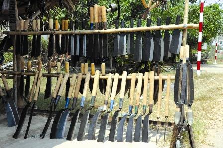 Nông cụ sắt thép Sa Đéc  ផ្សារដែក chợ sắt