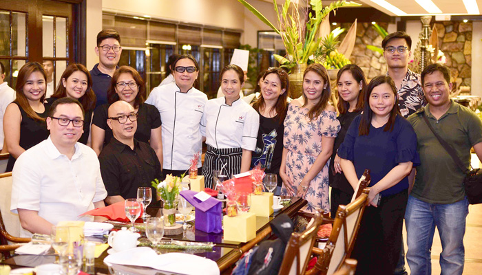 Davao Digital Influencers with Media Friends, Chefs Jackie and Roland Laudico,   Waterfront Insular Hotel Managet, Bryan Lasala