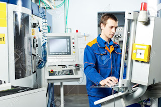 Diễn đàn rao vặt: Công việc của tổ trưởng sản xuất 12589603-worker-at-machine-tool-in-workshop-Stock-Photo-cnc-machine-manufacturing