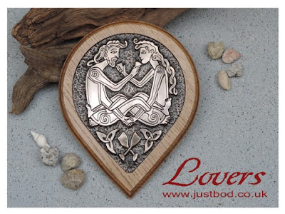 Celtic Lovers bronze and oak wall plaque