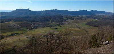 Sierra de Cantabria/Toloño vista desde Durruma baseliza - Ermita de San Román