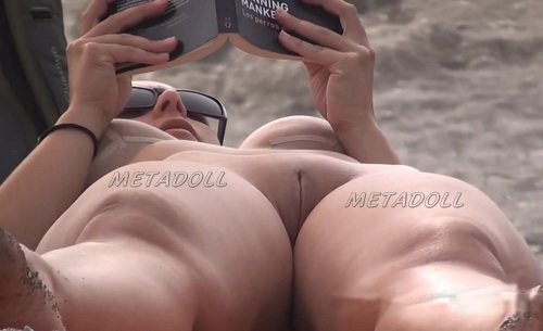 Nude Euro Beaches 18 (Spying on a nudist beach)