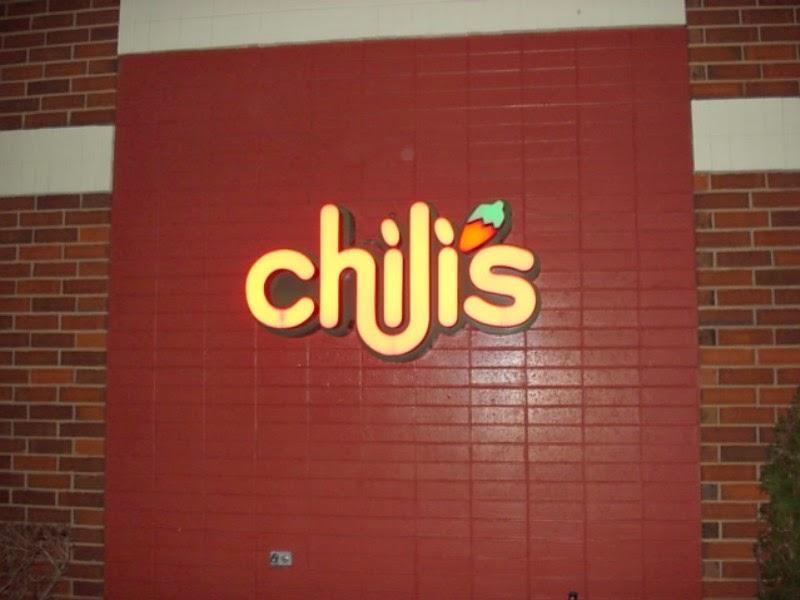 Is Chilis Open On Christmas.Lib S Labyrinth Christmas At Chili S 2010