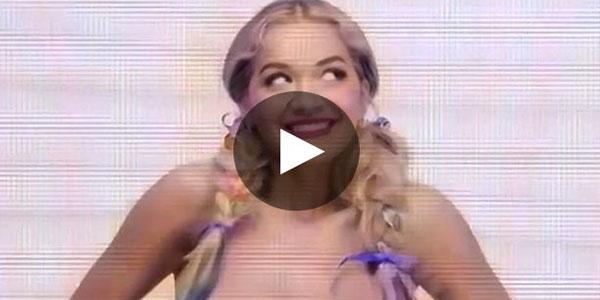 Rita Ora nos hace el mejor regalito de Navidad muestra todos sus encantos