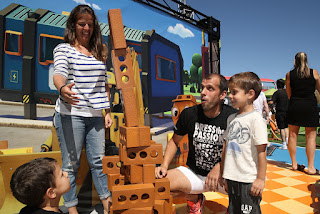 Gilles Muller And His Wife Alessia Fauzzi Having Fun With Their Kids