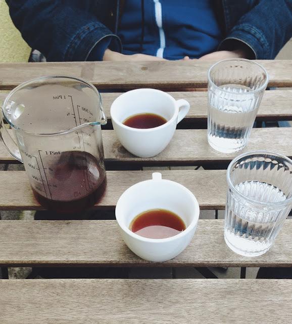 Na kávu sme zavítali aj do kaviarne Mad Drop.