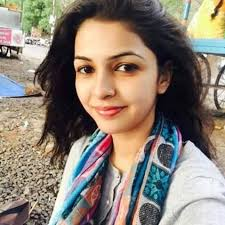 Keerti Nagpure Family Husband Son Daughter Father Mother Age Height Biography Profile Wedding Photos