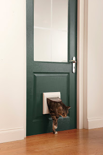 LIMITED Offer Staywell Manual 4 Way Locking Classic Cat Flap Tunnel 917EF white £9.99