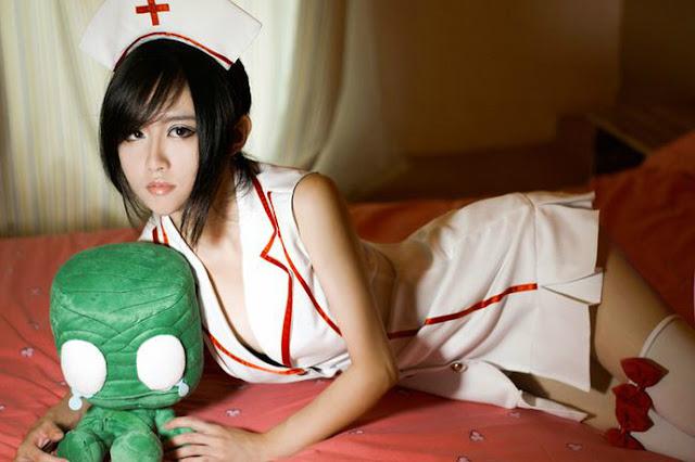 Cosplay Akali nurse