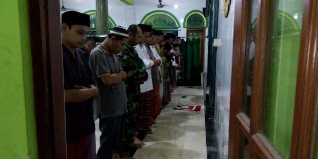 gresik24jam - Koramil Driyorejo Gresik Gelar Sholat Shubuh Berjamaah
