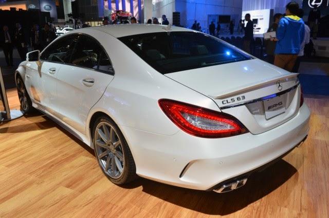 Mercedes Benz CLS63 AMG màu trắng 04