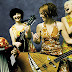 Music Stories | Το This is Just Life σε ταξιδεύει στα σκοτεινά Cabaret μίας άλλης εποχής (video)