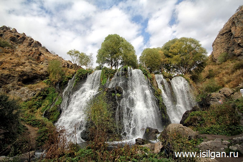 Водопад Шаки (Shaki Waterfall). Армения