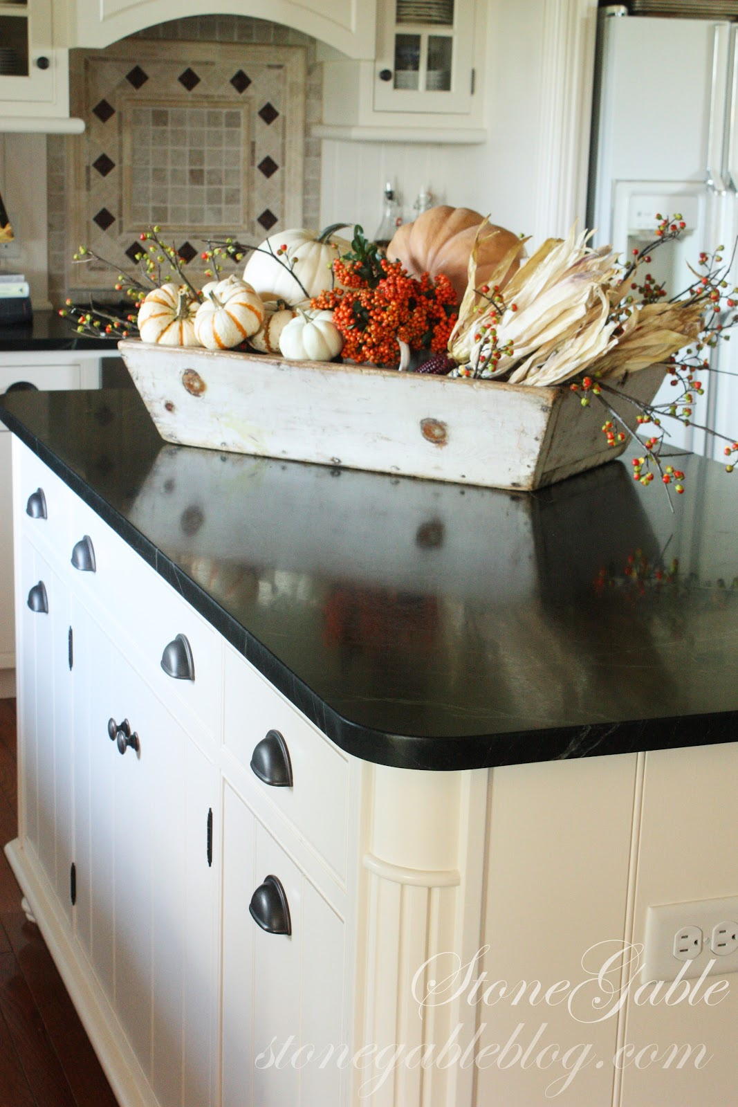 kitchen island centerpiece sink grid fall splendor stonegable