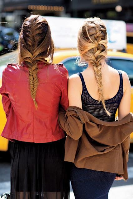 peinados con trenzas con el cabello recogido