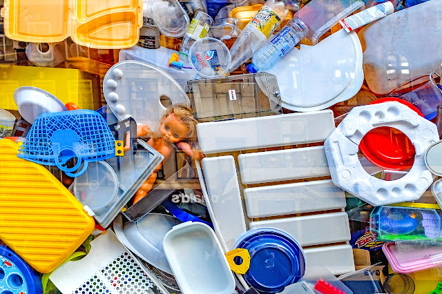 Plásticos tóxicos que su calentamiento o exposición al calor como el microondas, intoxican nuestro cuerpo