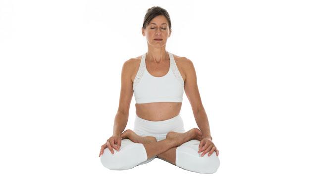 Đau xương khớp không còn là vấn đề với 5 bài tập Yoga này