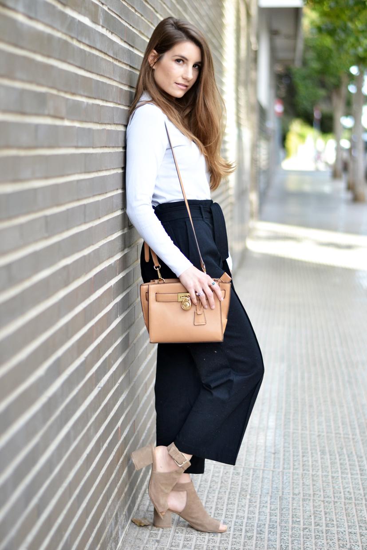 Wholesale Black Fashion Corsets Uk