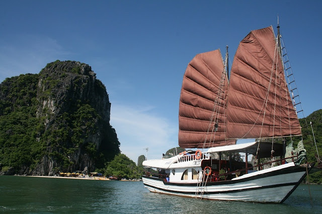 Top 6 Halong Bay Tours You Should Know In 2019