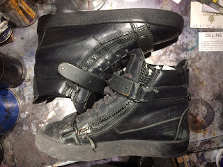 reparation restauration teintures, et patine des sneakers by Paulus Bolten