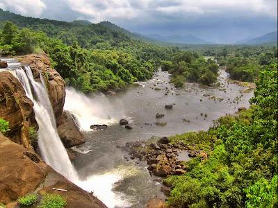 Cachoeira Athirappilly – Índia
