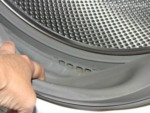 How to Clean Your Washing Machine And Keep It Mildew Free