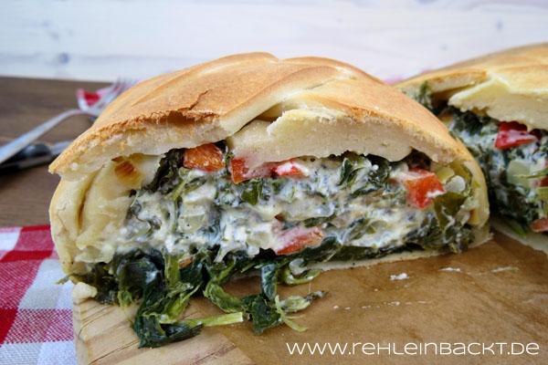 Braided Bread mit Blattspinat-Feta-Paprika-Füllung | Foodblog rehlein backt