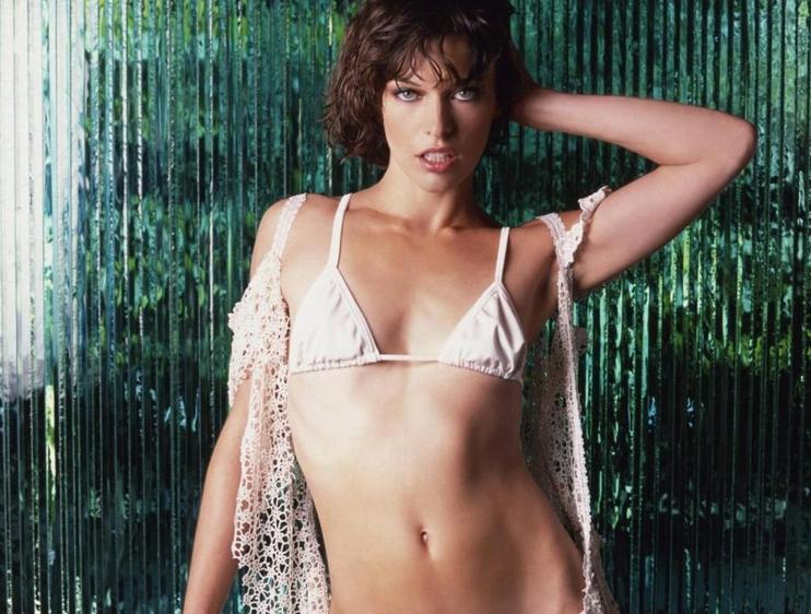 Milla Jovovich Hot HD Wallpaper