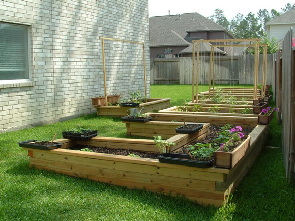 Superbe One Of My Dream Projects This Summer Is To Start My Very First Backyard  Garden.Searching For Inspirations I Saw These Plots Made With Used Wood  Pallets.