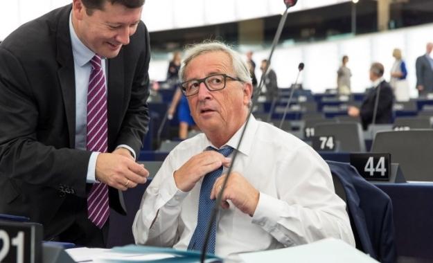 """Γιούνκερ: """"Απόφαση της Ελλάδας η πώληση των κόκκινων δανείων σε ξένα funds"""""""